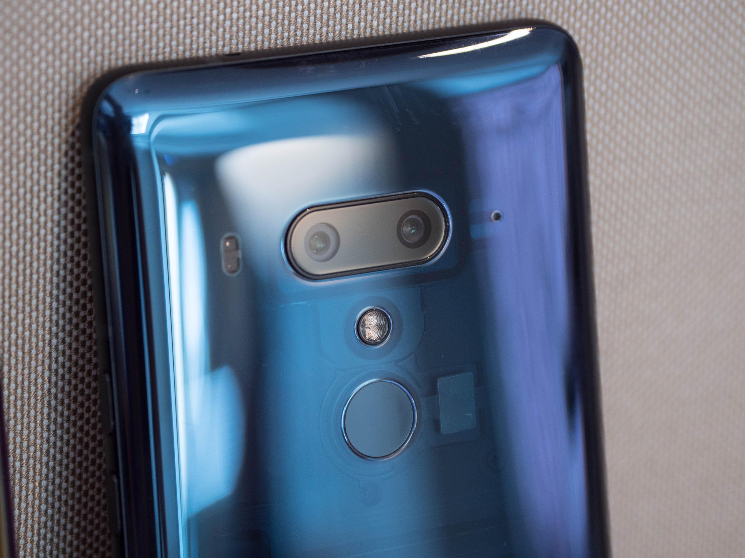 U12+ im Hands On: HTC setzt auf drückbaren Rand und Dualkameras -