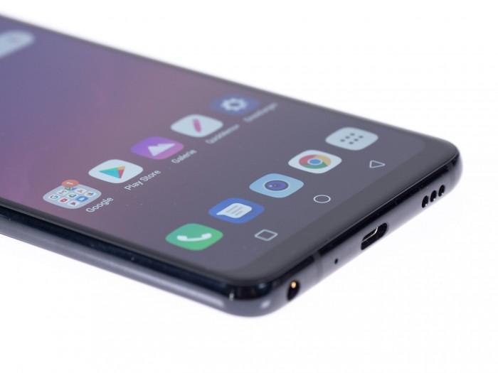 Das Smartphone hat einen Klinkeneingang für Kopfhörer und einen separaten Digital-Analog-Wandler. (Bild: Martin Wolf/Golem.de)