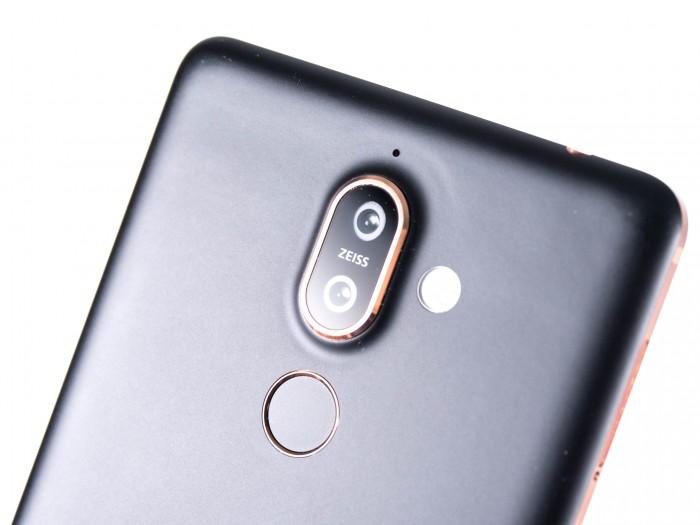 HMD Global hat eine Dualkamera auf der Rückseite eingebaut, darunter befindet sich der Fingerabdrucksensor. (Bild: Martin Wolf/Golem.de)