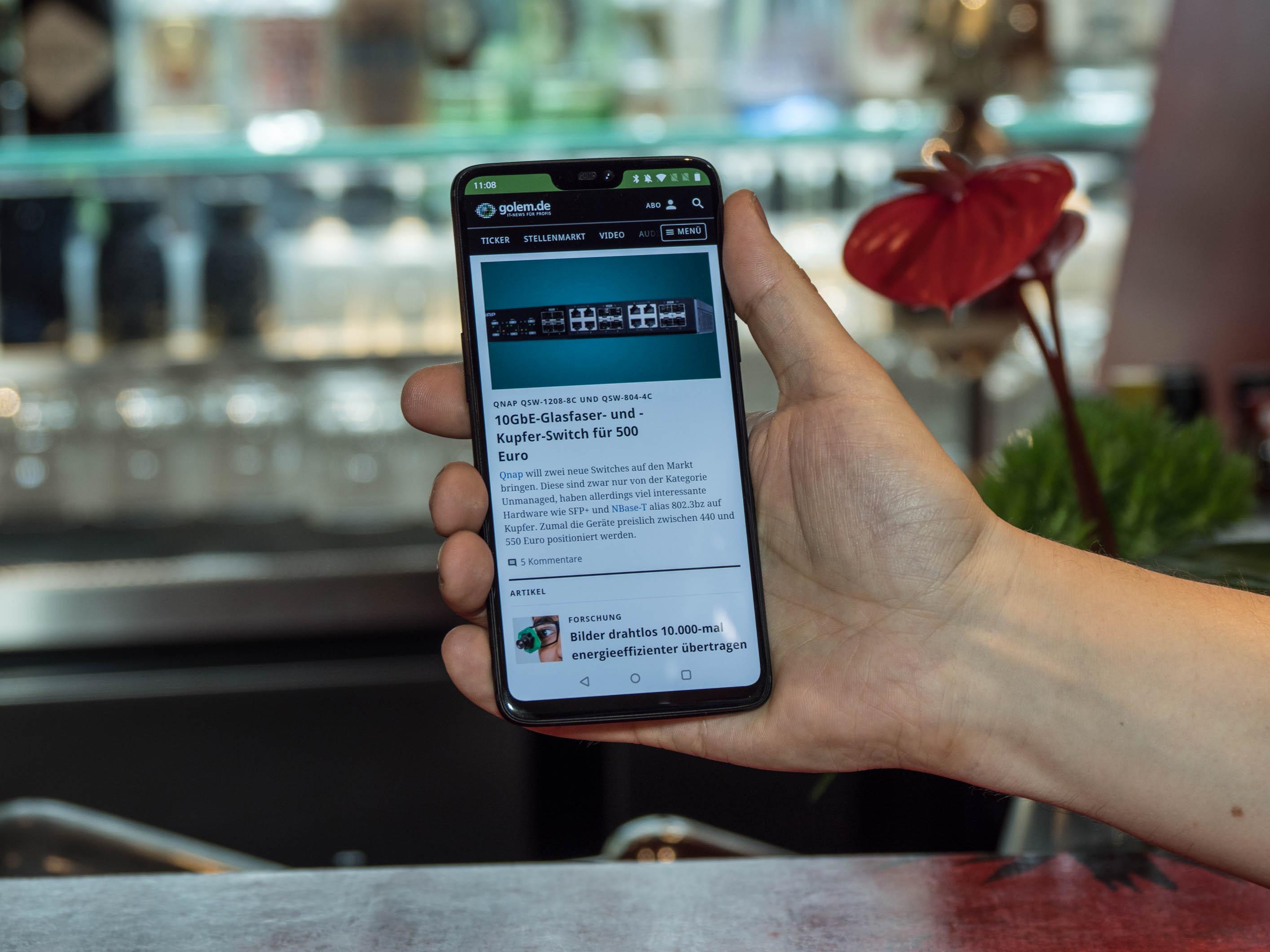 Android-Smartphone: Neues Oneplus 6 kostet ab 520 Euro - Das neue Oneplus 6 (Bild: Martin Wolf/Golem.de)