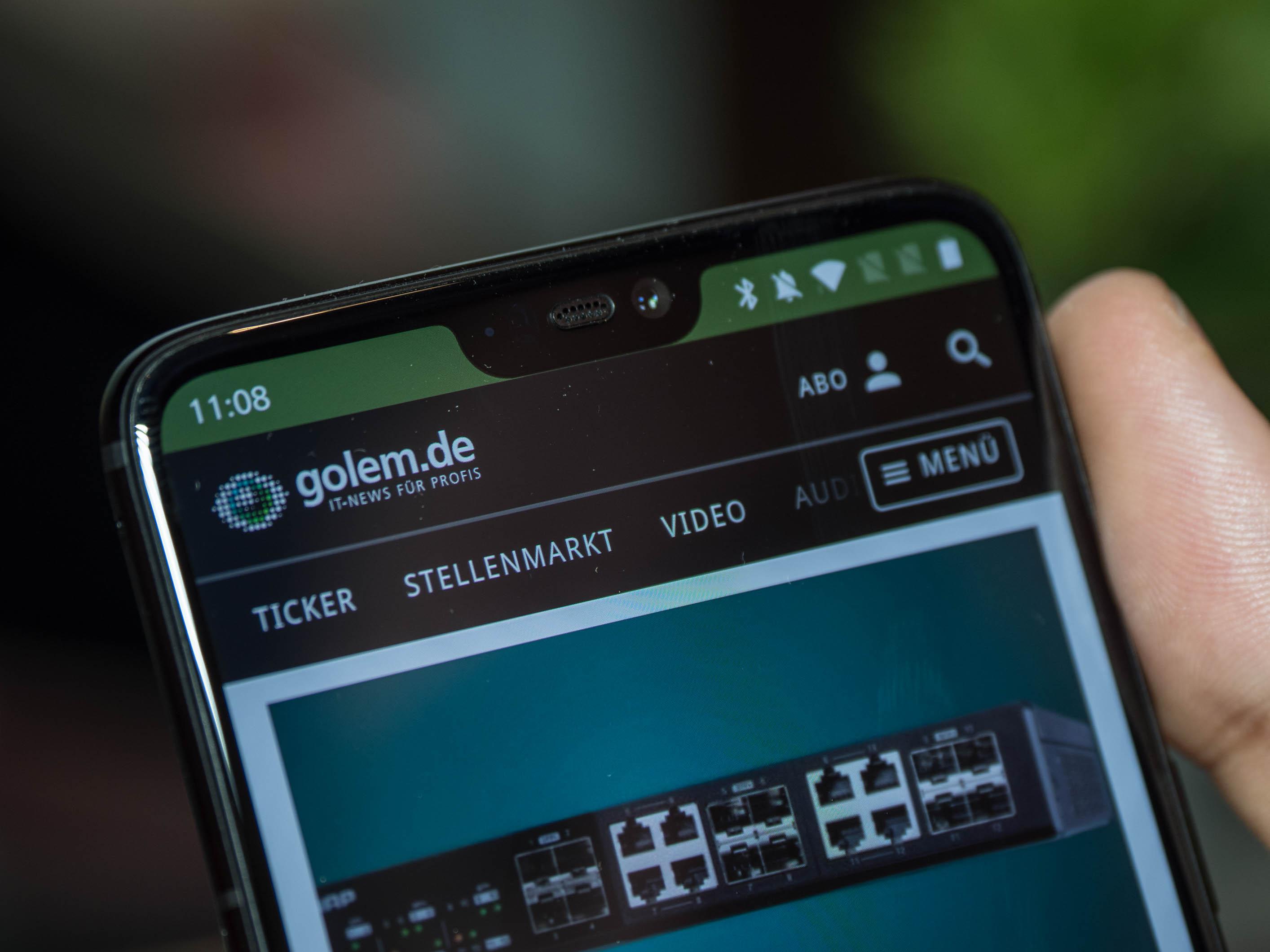 Android-Smartphone: Neues Oneplus 6 kostet ab 520 Euro - Das Oneplus 6 hat eine Einbuchtung am oberen Rand des Displays. (Bild: Martin Wolf/Golem.de)