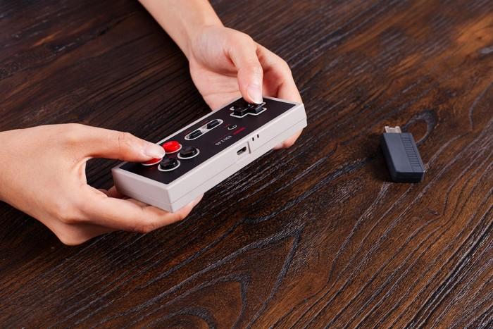 Der neue Controller für den Nintendo Classic Mini von 8Bitdo (Bild: 8BitDo)
