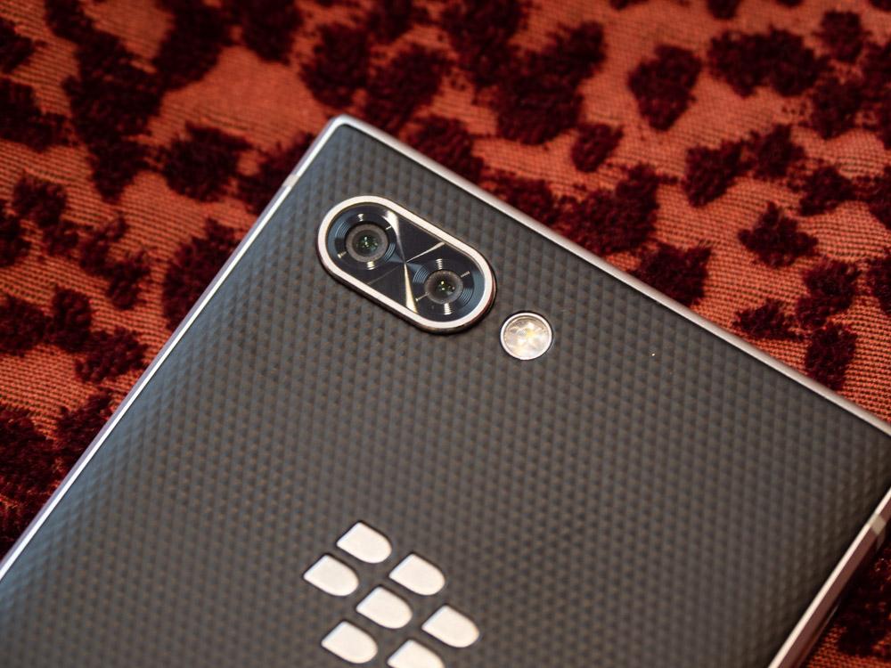 Blackberry Key2 im Hands On: Smartphone bringt verbesserte Tastatur und eine Dual-Kamera - Blackberry Key 2 hat eine Dual-Kamera mit 12-Megapixel-Sensoren. (Bild: Martin Wolf/Golem.de)
