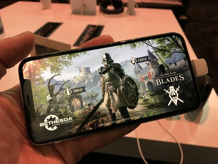 The Elder Scrolls Blades auf einem iPhone X (Bild: Bethesda/Foto: Golem.de)