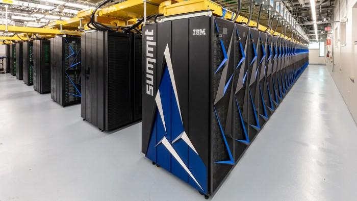 Server-Schränke des Summit (Bild: ORNL)