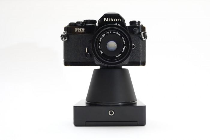 Eine alte analoge Nikon wird zu Instantkamera. (Bild: NINM Lab)
