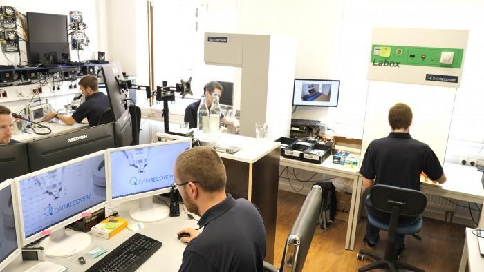 Datenretter bei der Arbeit (Bild: Martin Wolf/Golem.de)