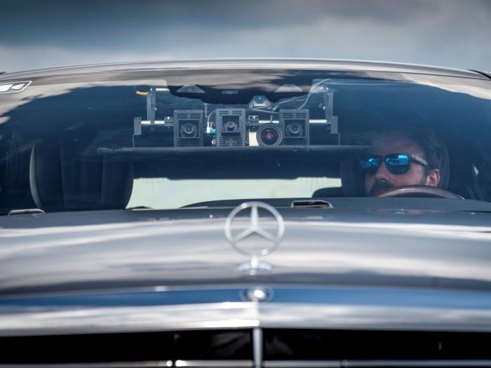 Mit Stereo-Kameras nimmt Daimler ein dreidimensionales Bild der Umgebung auf. (Bild: Daimler)