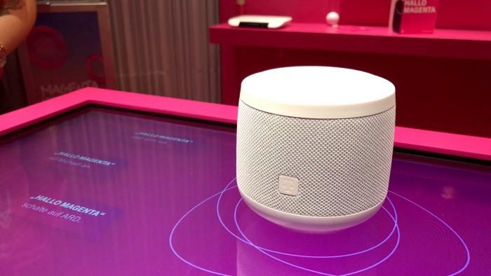 Der Smart Speaker läuft mit einem von der Telekom entwickelten digitalen Assistenten. (Bild: Michael Wieczorek/Golem.de)