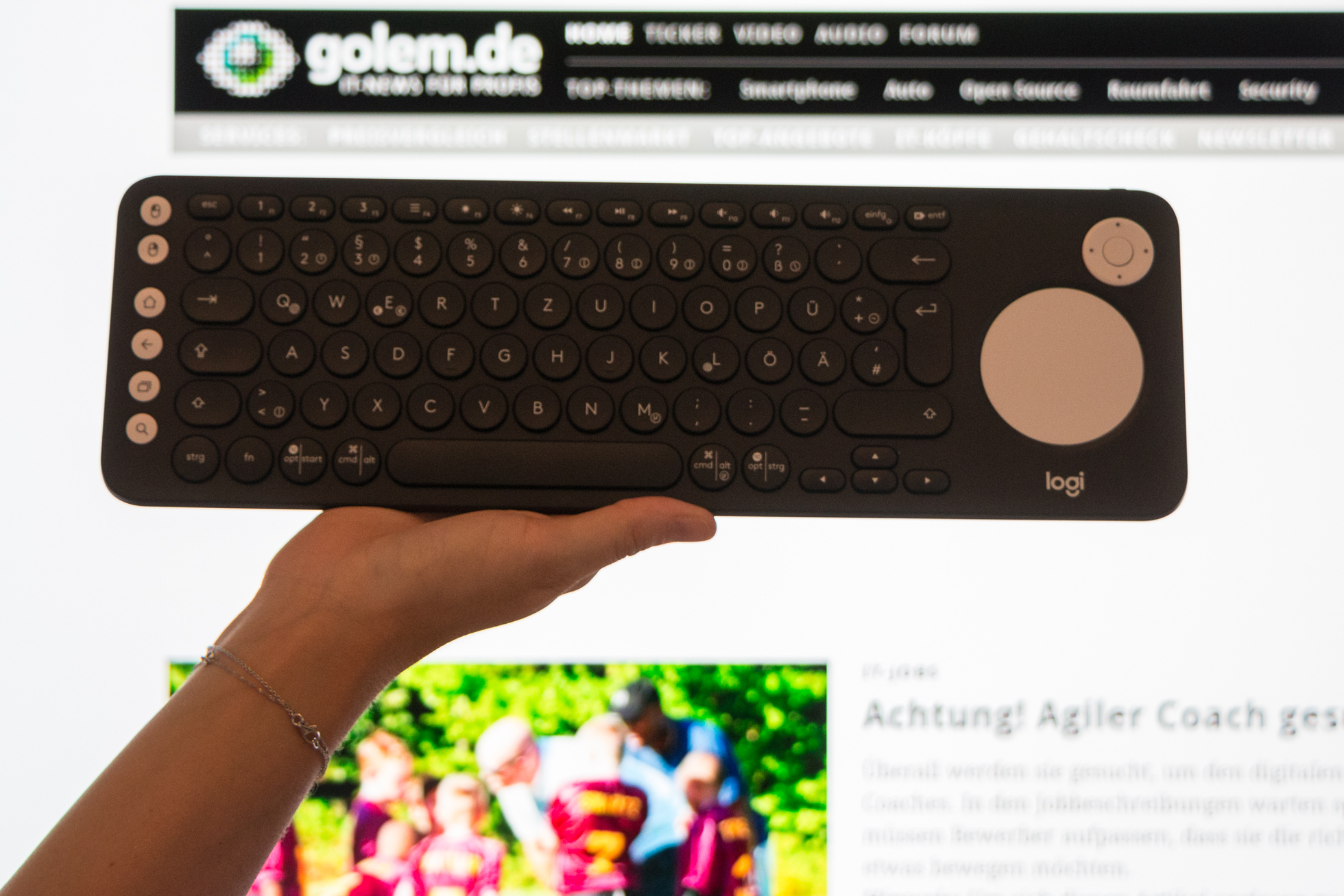 Logitech K600 TV: Drahtlose Tastatur für Smart-TVs und Streaming-Geräte - Logitechs drahtlose Tastatur K600 TV (Bild: Werner Pluta/Golem.de)