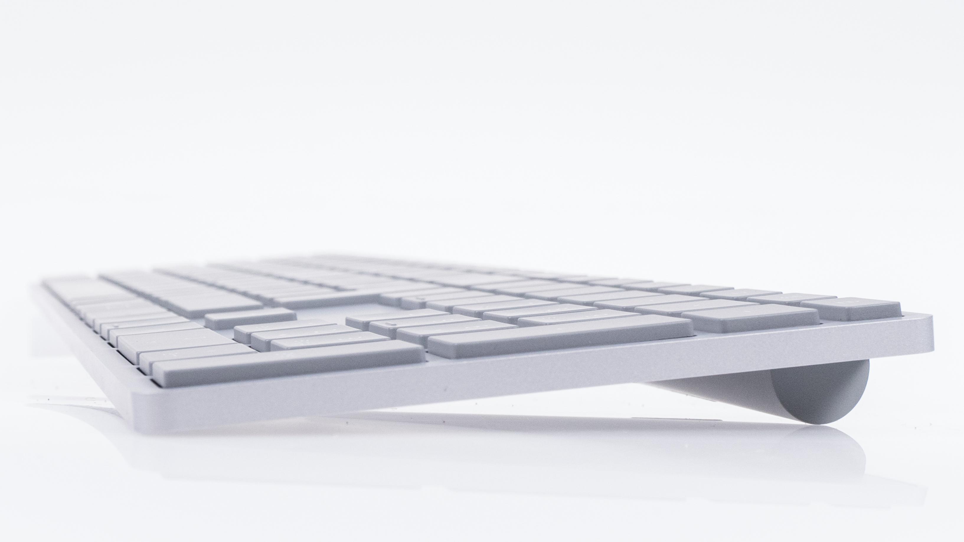 Microsoft Modern Keyboard im Test: Die Suche nach dem Lieblingsschreibinstrument - Microsoft Modern Keyboard (Bild: Oliver Nickel/Golem.de)