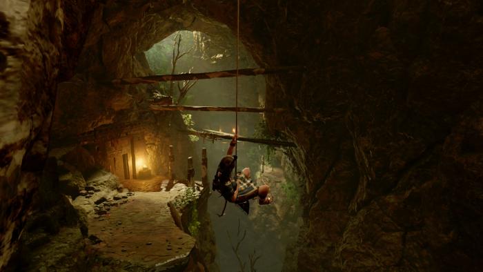 Lara seilt sich in einer Höhle ab ... (Bild: Square Enix/Screenshot: Golem.de)