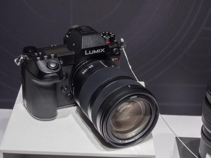 Der Prototyp der Panasonic S1 auf der Photokina (Bild: Christoph Böschow/Golem.de)