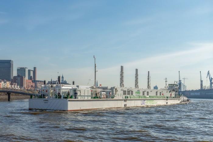 Hummel ist schwimmendes LNG-Kraftwerk. (Bild: Becker Marine Systems)