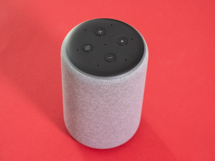 Amazons neuer Echo Plus (Bild: Martin Wolf/Golem.de)