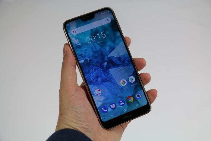 Das neue Nokia 7.1 hat ein 5,84 Zoll großes Display. (Bild: Matthias Zellmer/Areamobile.de)