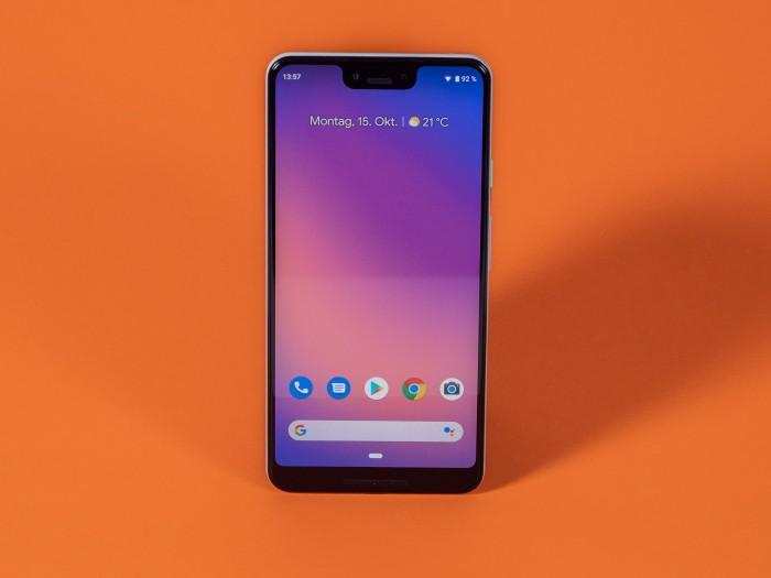 Das Pixel 3 XL ist Googles erstes Smartphone mit einer Notch. (Bild: Martin Wolf/Golem.de)