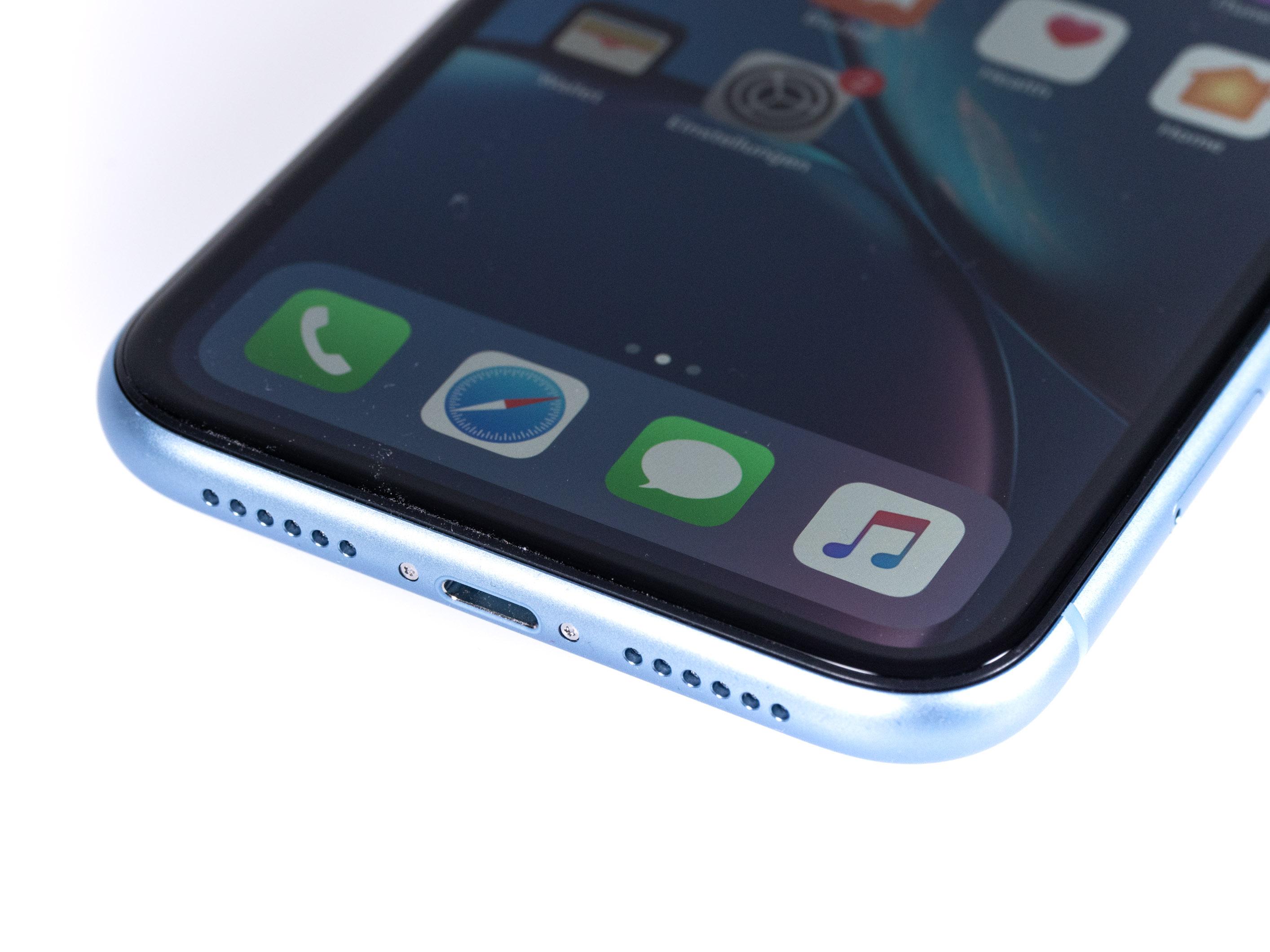 iPhone Xr im Test: Apples günstigeres iPhone ist nicht günstig - Auch das restliche Design unterscheidet sich nicht von dem des iPhone X, iPhone Xs und iPhone Xs Max. (Bild: Martin Wolf/Golem.de)