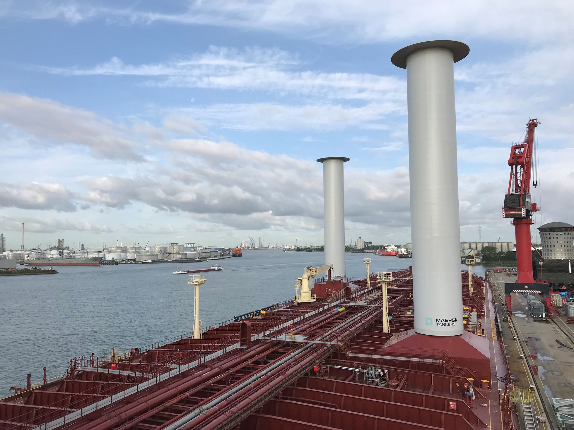 Norsepower: Stahlsegel helfen der Umwelt und sparen Treibstoff - Die Installation wurde Ende August 2018 abgeschlossen. (Bild: Norsepower)