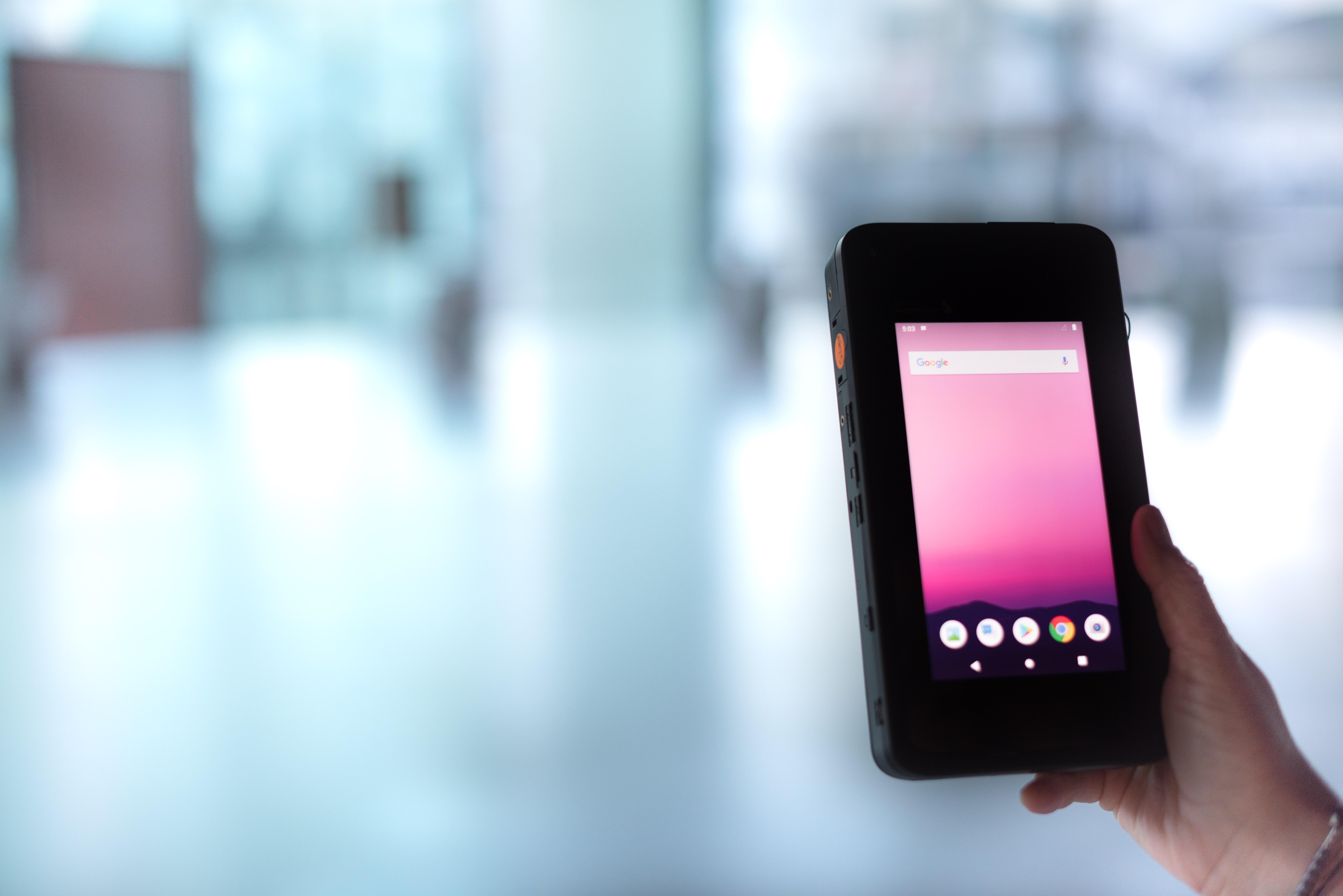 5G-Netz: Swisscom zeigt weltweit ersten 5G-Smartphone-Prototyp - Der 5G-Smartphone-Prototyp von Swisscom (Bild: Swisscom)
