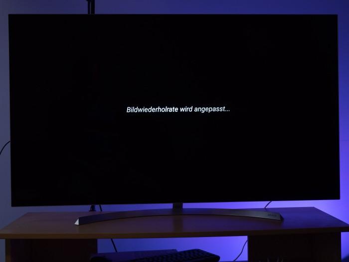 Der Fire TV Stick 4K passt die Bildwiederholrate automatisch an. (Bild: Martin Wolf/Golem.de)