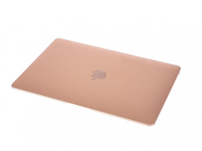 Das typische Apple-Design auf der Rückseite (Bild: Martin Wolf/Golem.de)