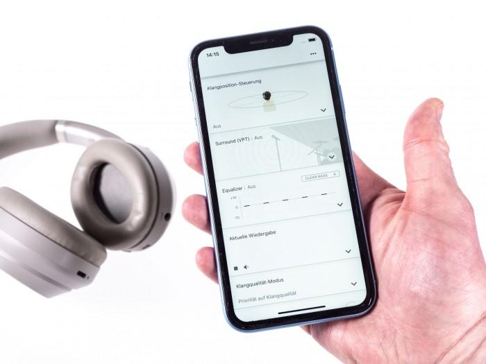 Verschiedene Klangparameter können in der Headphones-App verändert werden. (Bild: Martin Wolf/Golem.de)