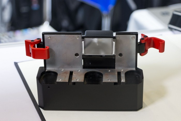 Das Kameramodul mit der Mattscheibe, die die Digitalkamera abfotografiert. (Bild: Werner Pluta/Golem.de)