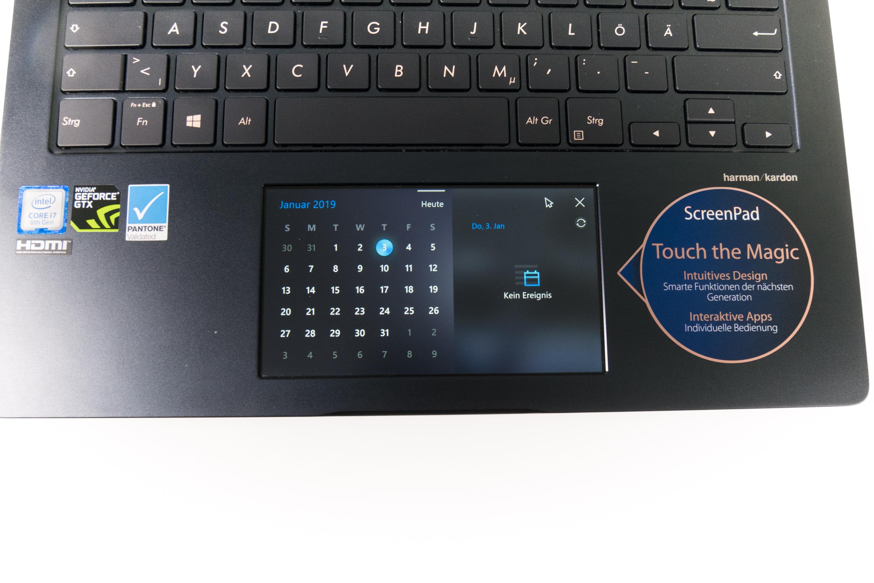Asus Zenbook Pro 14 im Test: Das Display im Touchpad macht den Unterschied - ... und Kalender anzeigen. (Bild: Oliver Nickel/Golem.de)