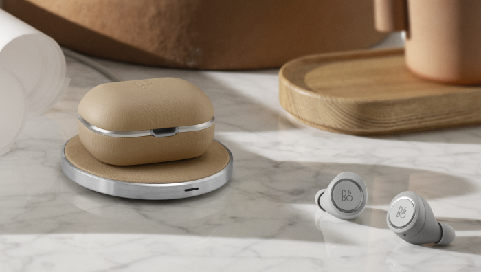 beoplay e8 2 0 b o bringt airpods alternative mit. Black Bedroom Furniture Sets. Home Design Ideas
