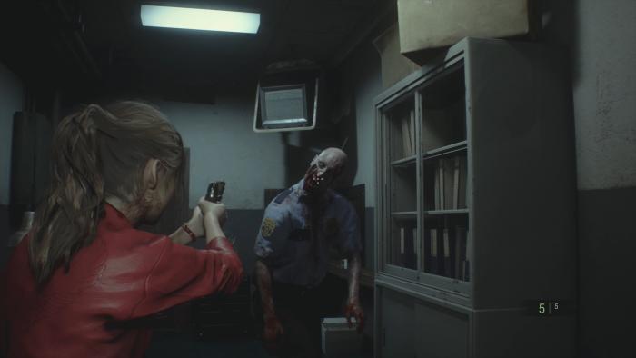 In den Optionen können wir für Claire und Leon eine Zielhilfe aktivieren - das macht die Kämpfe etwas einfacher. (Bild: Capcom/Screenshot: Golem.de)