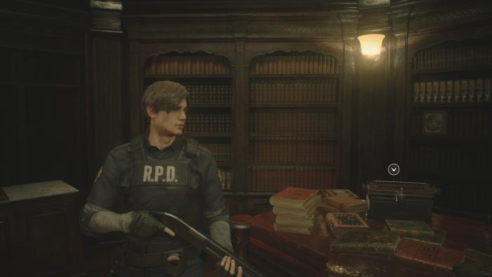 Im Sicherheitsraum speichern wir den Spielstand an einer Schreibmaschine. (Bild: Capcom/Screenshot: Golem.de)