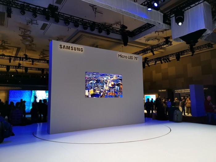 Samsung hat einen 75 Zoll großen Micro-LED-Fernseher vorgestellt. (Bild: Tobias Költzsch/Golem.de)