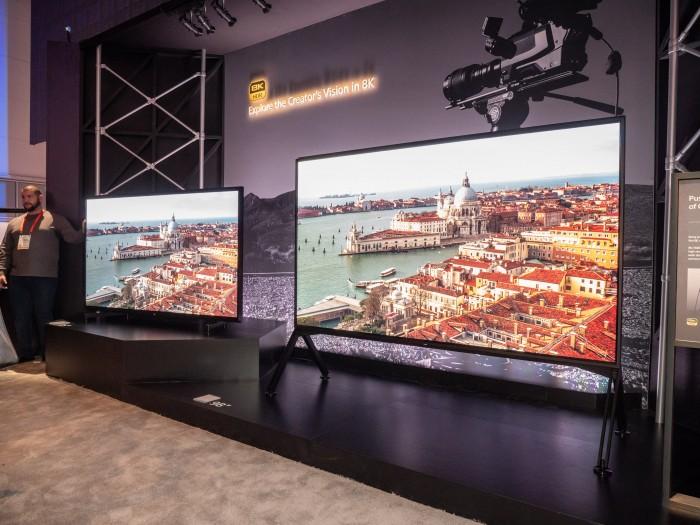 Der neue ZG9 von Sony kommt in den Größen 85 und 98 Zoll. (Bild: Martin Wolf/Golem.de)