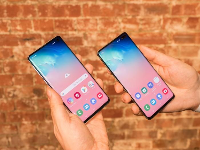 Das neue Galaxy S10 hat ein 6,1 Zoll großes Display, das des Galaxy S10+ ist 6,4 Zoll groß. (Bild: Martin Wolf/Golem.de)