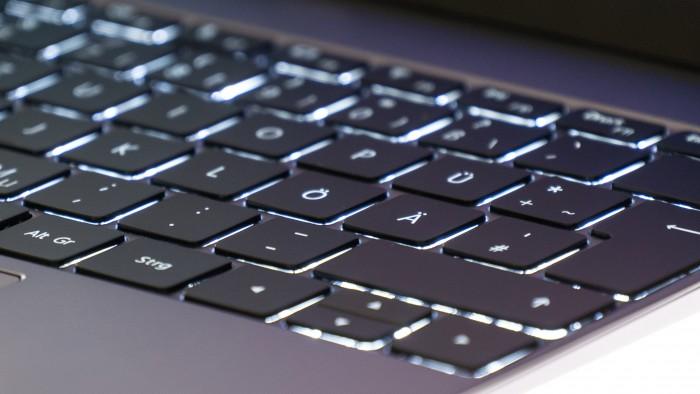 Matebook 13 im Test: Huaweis drittes Ultrabook verwirrt - Golem de