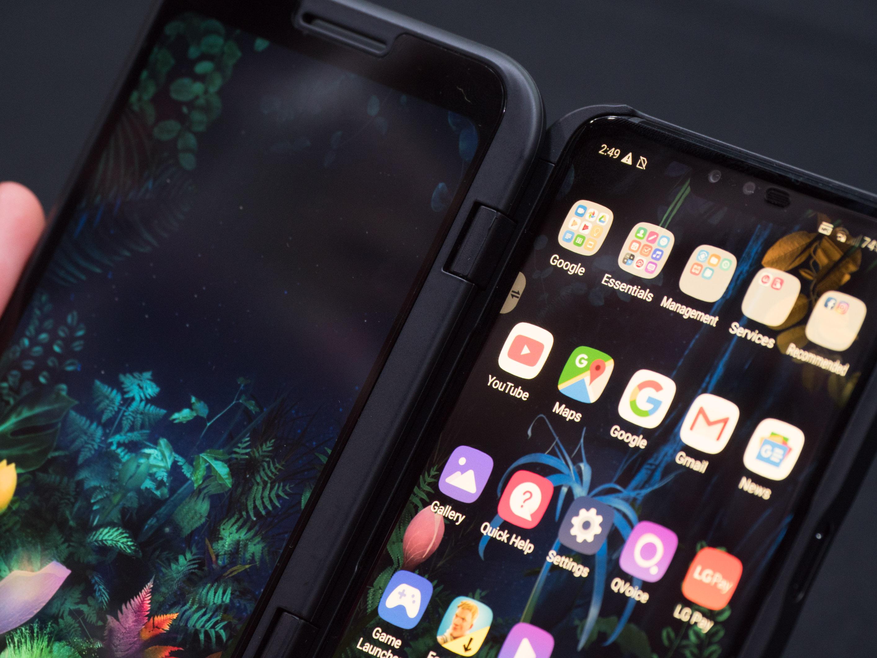 V50 Thinq Dual Screen im Hands on: LG zeigt Smartphone mit andockbarem Zusatzdisplay - LG V50 Thinq mit Dual Screen (Bild: Martin Wolf/Golem.de)