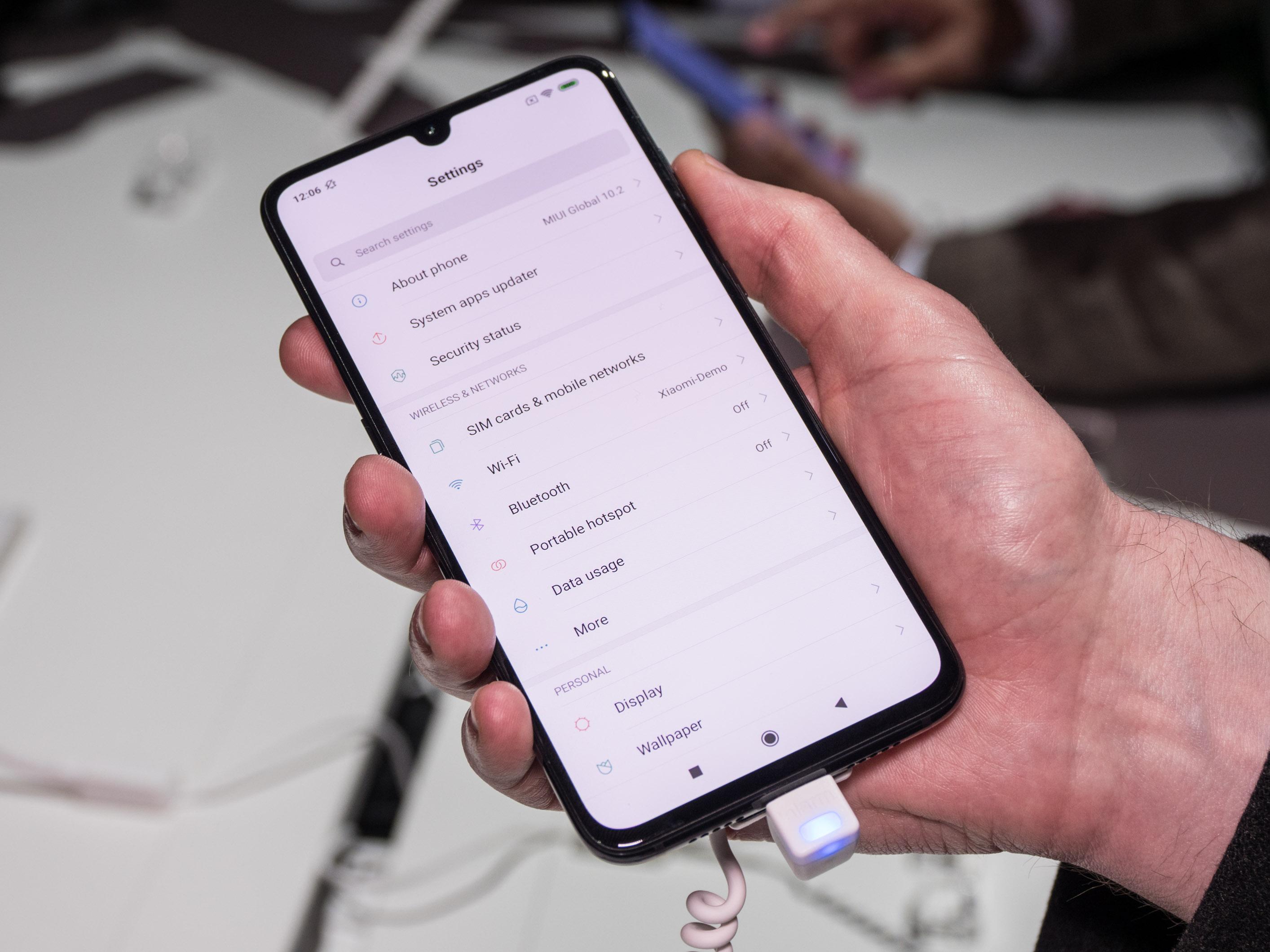Xiaomi Mi 9 im Hands on: Topsmartphone mit Triple-Kamera für 450 Euro -