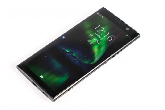 Auf Sonys Xperia XA2 Plus lässt sich Jollas mobiles Betriebssystem Sailfish OS installieren. (Bild: Tobias Költzsch/Golem.de)