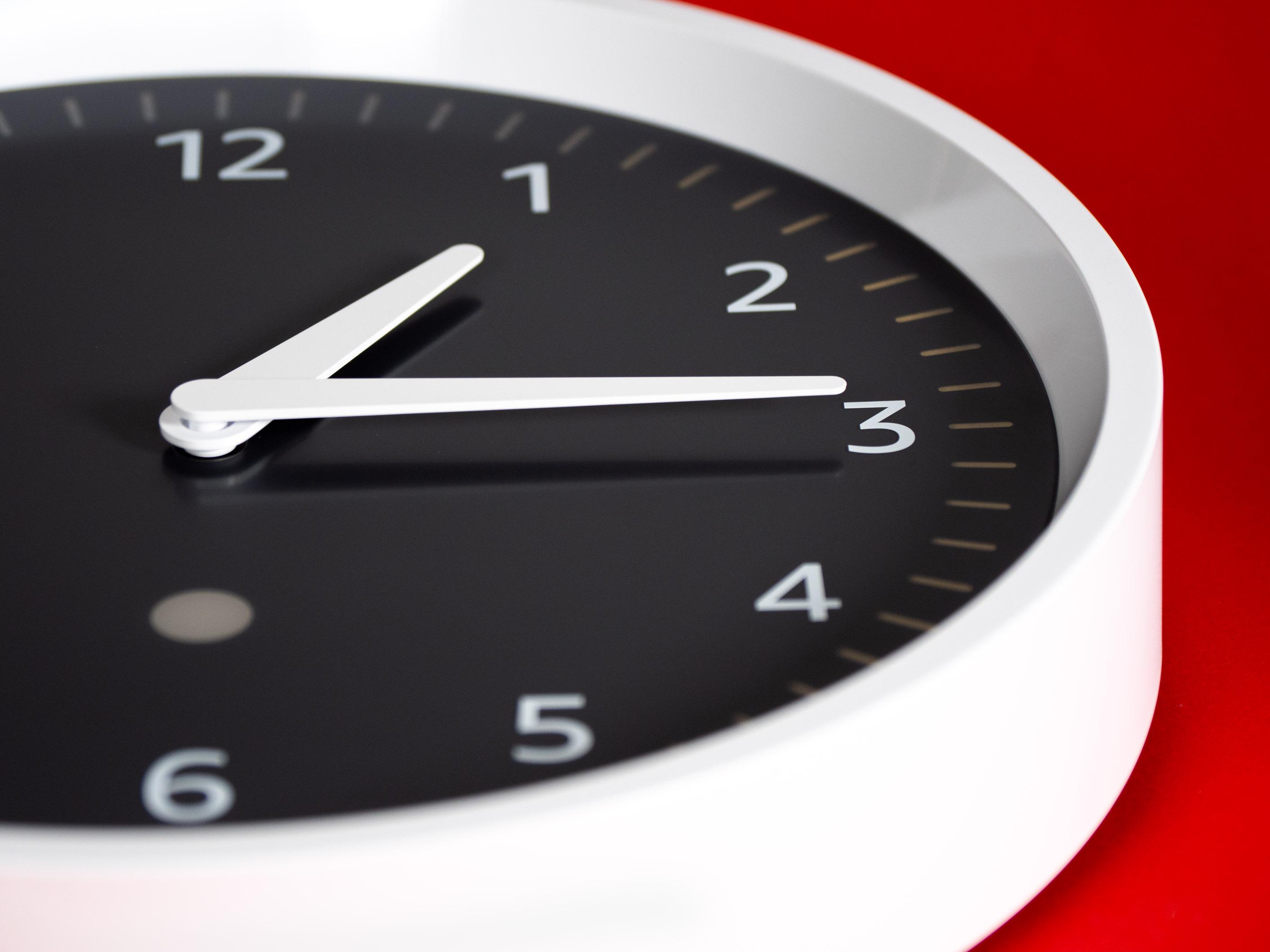 Echo Wall Clock im Test: Ach du liebe Zeit, Amazon! - Amazons Echo Wall Clock (Bild: Martin Wolf/Golem.de)