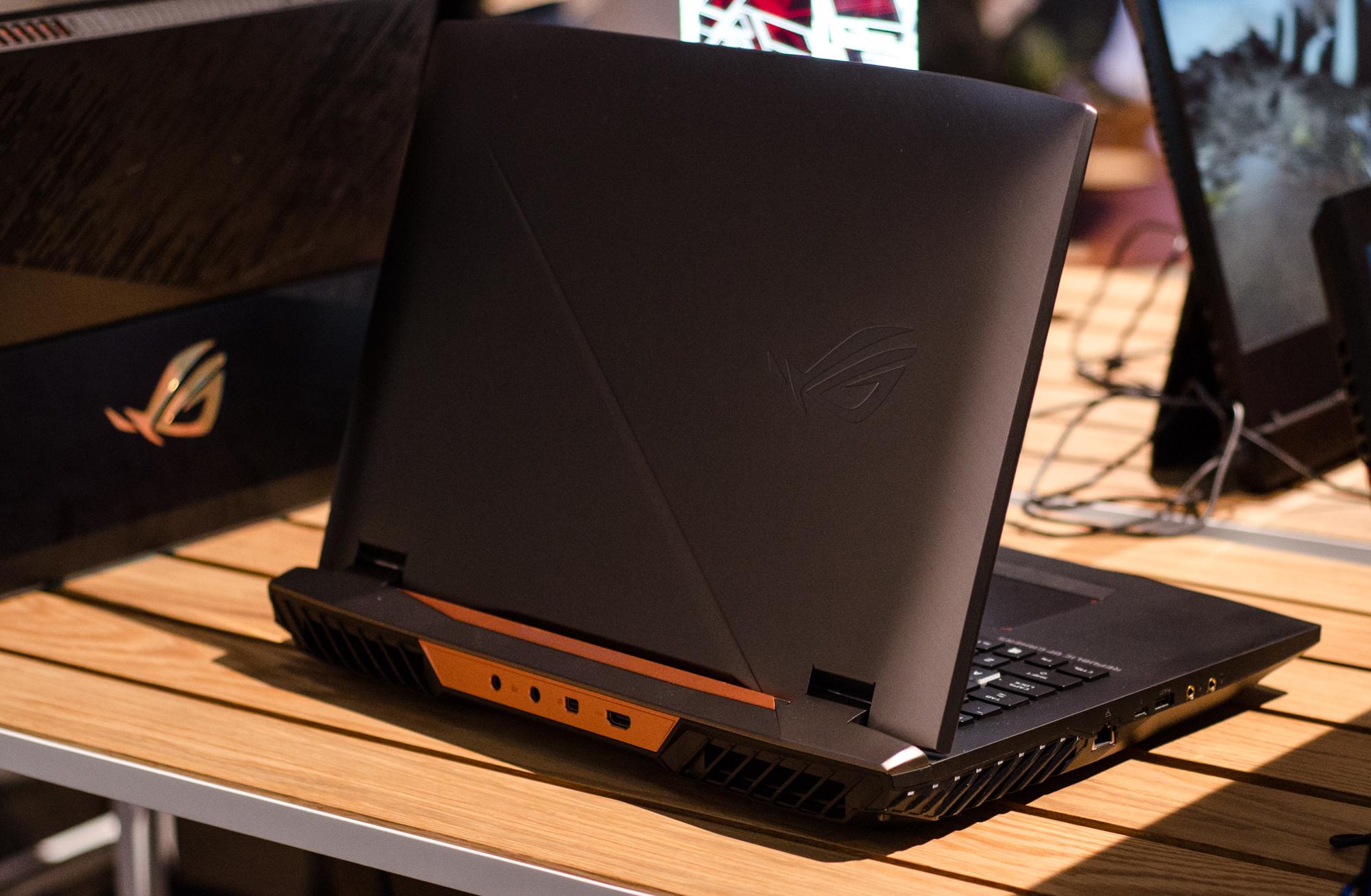 Gaming-Notebooks: Asus ROG mit Core i9 und fixen oder farbstarken Displays - Das GX703 ist das letzte dicke Gaming-Notebook von Asus. (Foto: Nico Ernst)