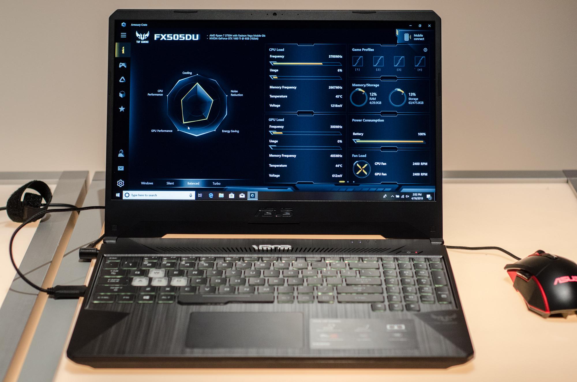 Gaming-Notebooks: Asus ROG mit Core i9 und fixen oder farbstarken Displays - Auch ohne ROG-Logo lassen sich die TUFs tunen. (Foto: Nico Ernst)