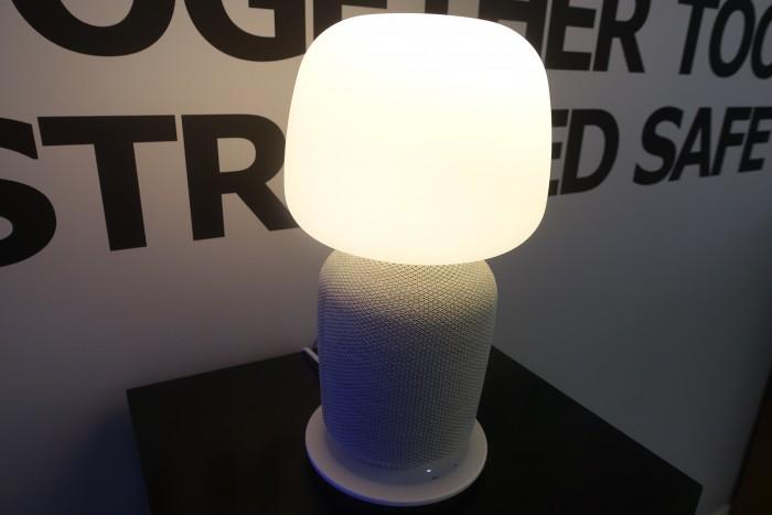 Der große Symfonisk-Lautsprecher sieht mehr nach Lampe als nach Lautsprecher aus. (Bild: Ingo Pakalski/Golem.de)
