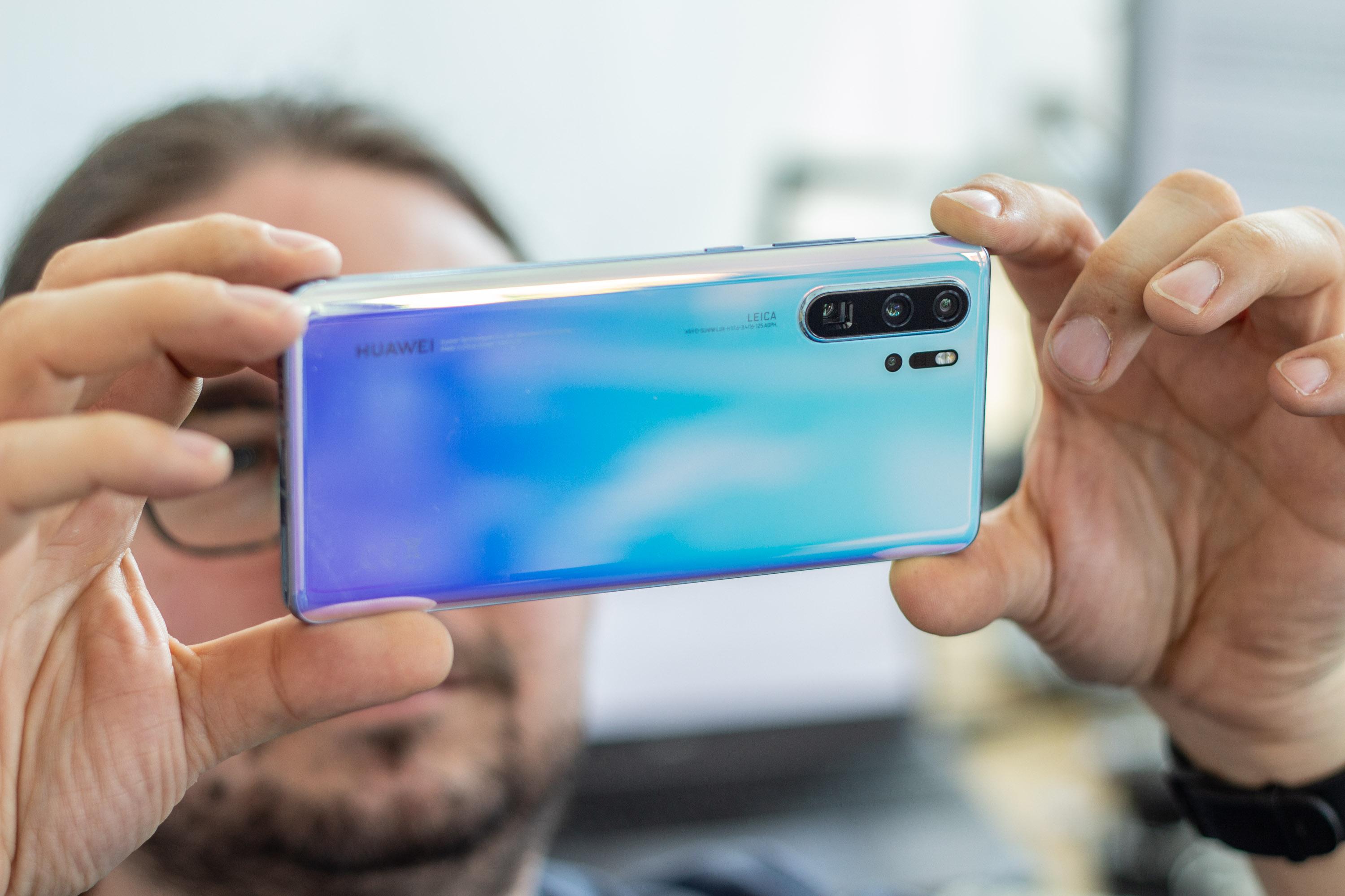 P30 Pro im Kameratest: Huawei baut die vielseitigste Smartphone-Kamera - Beim P30 Pro hat Huawei wieder viel Wert auf die Kameraausstattung gelegt. (Bild: Martin Wolf/Golem.de)