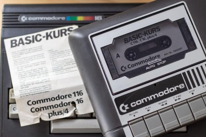 Aldi bot den C16 Mitte der 80er im Komplettpaket mit Datasette und Basic-Lernkurs für 149-D-Mark an und verhalf dem Gerät in Deutschland kurzfristig zu ein wenig Ruhm. (Bild: Martin Wolf/Golem.de)