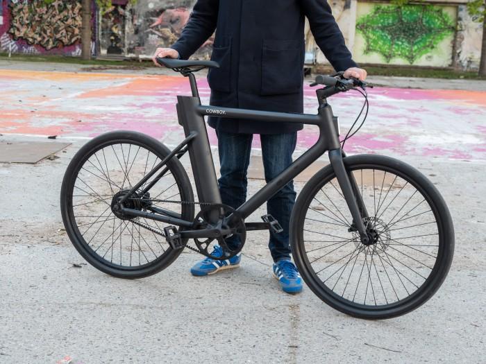 Das Fahrrad wiegt lediglich 16 Kilogramm - für ein Pedelec ist das ziemlich wenig. (Bild: Martin Wolf/Golem.de)