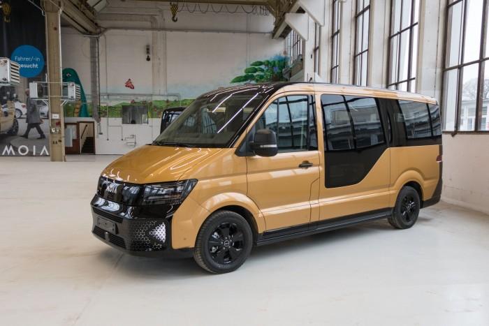 Der Elekto-Klienbus Moia basiert auf dem VW Crafter. (Bild: Werner Pluta/Golem.de)