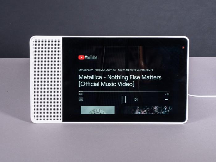 Youtube-Videos lassen sich auf dem Smart Display abspielen. (Bild: Martin Wolf/Golem.de)