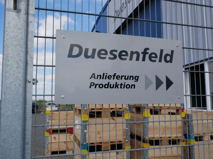 Das Unternehmen Duesenfeld aus Peine bei Braunschweig recycelt Akus aus Elektroautos. (Bild: Dirk Kunde)