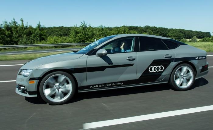 """Golem.de testete im Sommer 2015 hochautomatisierten A7 """"Jack"""" im Juli auf der Autobahn bei Wolfsburg. (Foto: Martin Wolf/Golem.de)"""